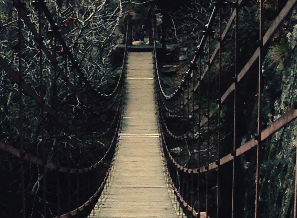 Hängebrücke bei Moncharchil